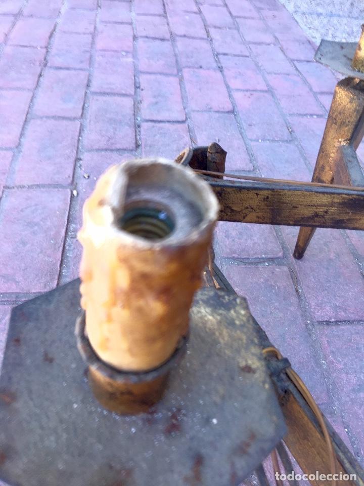 Antigüedades: Lampara hierro forjado estilo medieval antorchas vElas dorado colgar y pie 45cm diametro - Foto 32 - 95123339