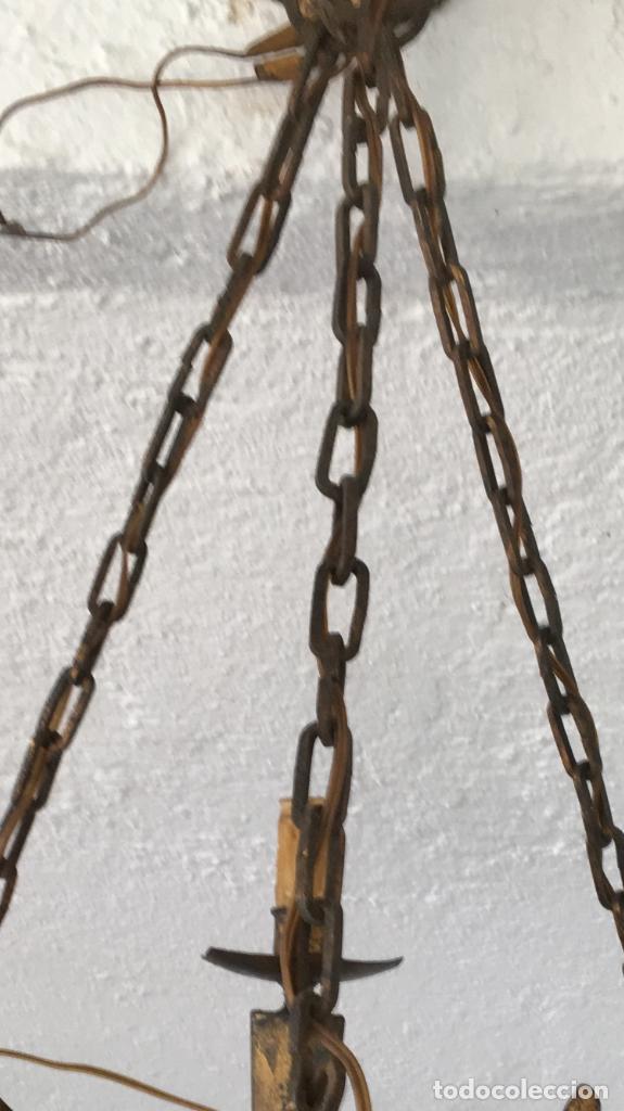 Antigüedades: Lampara hierro forjado estilo medieval antorchas vElas dorado colgar y pie 45cm diametro - Foto 38 - 95123339