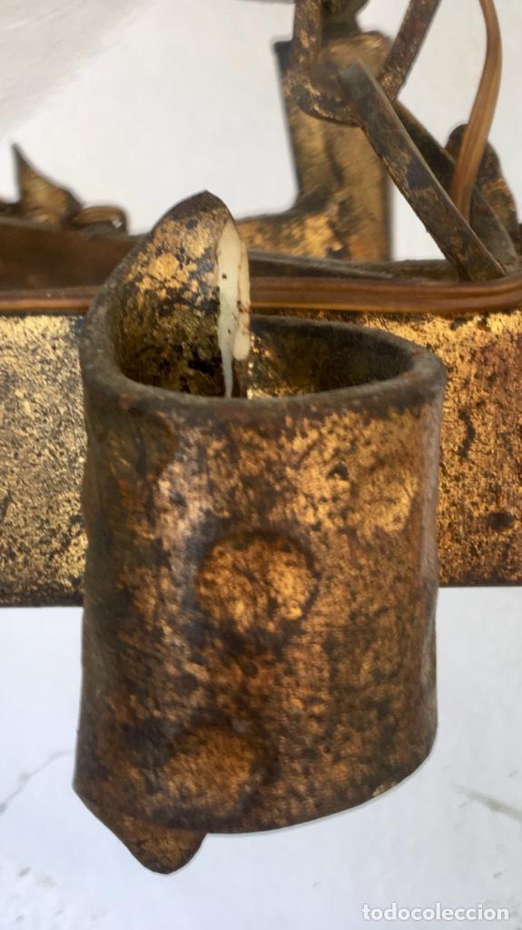 Antigüedades: Lampara hierro forjado estilo medieval antorchas vElas dorado colgar y pie 45cm diametro - Foto 41 - 95123339