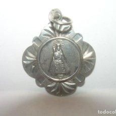 Antigüedades: ANTIGUA Y BONITA MEDALLA CINCELAS EN PLATA DE LEY...NTA.SRA.DEL REMEY...SIGLO XIX.. Lote 95225863