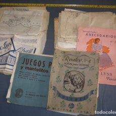 Antigüedades: GRAN LOTE DE ALBUMES Y PATRONES ANTIGUOS PARA BORDAR. Lote 95226095