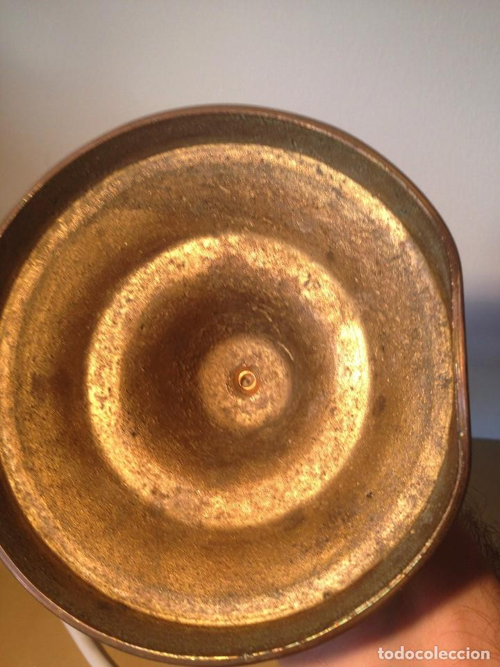 Antigüedades: PAREJA CANDELABROS BASE REDONDA - Foto 4 - 95259383