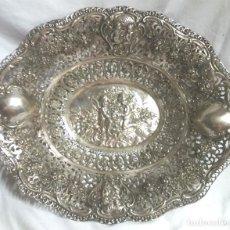 Antigüedades: BANDEJA PLATA DE LEY S XIX, ANGELES O QUERUBINES, BUEN ESTADO. MED. 29 X 25 X 5 CM. Lote 95393027