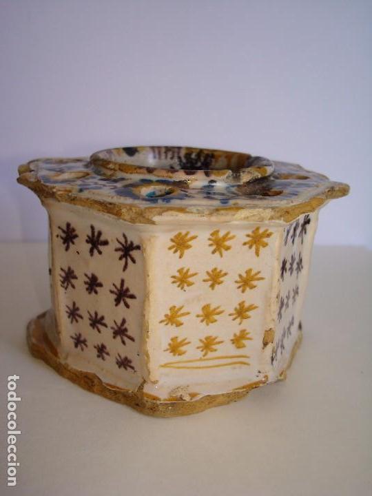 TINTERO ANTIGUO OCTOGONAL DE CERÁMICA MANISES VALENCIA ,ESTRELLAS SIGLO XVII - XVIII (Antigüedades - Porcelanas y Cerámicas - Manises)