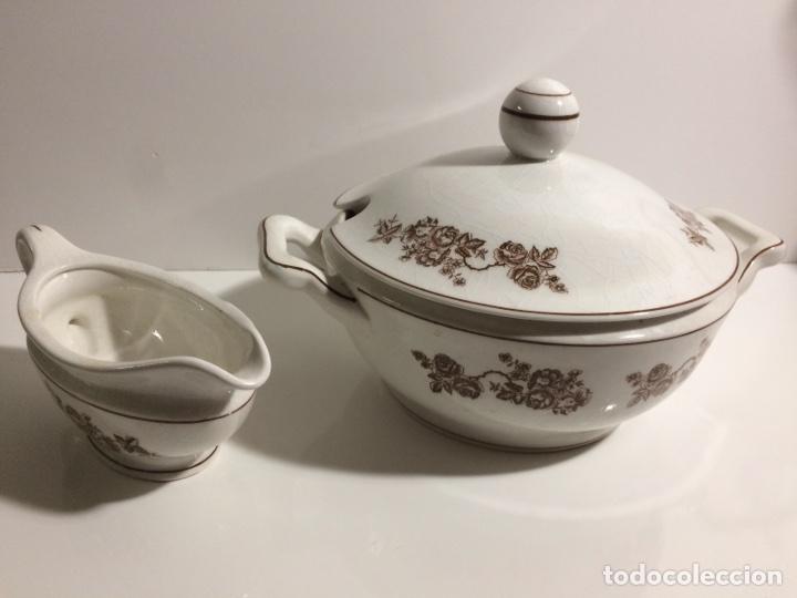 SOPERA Y SALSERA ROYAL CHINA VIGO (Antigüedades - Porcelanas y Cerámicas - Otras)