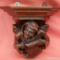 Antigüedades: PRECIOSA MENSULA EN MADERA TALLADA DE APROXIMADAMENTE 1900. Lote 95525535