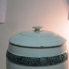 Antigüedades: ANTIGUO RECIPIENTE PARA EL PAN REALIZADO EN CERÁMICA LEVANTINA. Lote 95544907