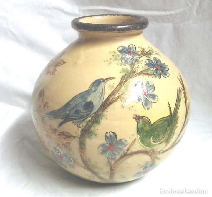 JARRÓN FIRMADO DIAZ COSTA LA BISBAL, SERIE PAJAROS. MED. 18 X 20 CM (Antigüedades - Porcelanas y Cerámicas - La Bisbal)