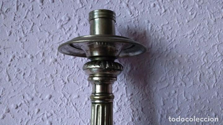 Antigüedades: CANDELABRO DE MENESES DE METAL BLANCO - CONSERVA LOS TRES CONTRASTES - PIEZA ÚNICA - Foto 4 - 95611335