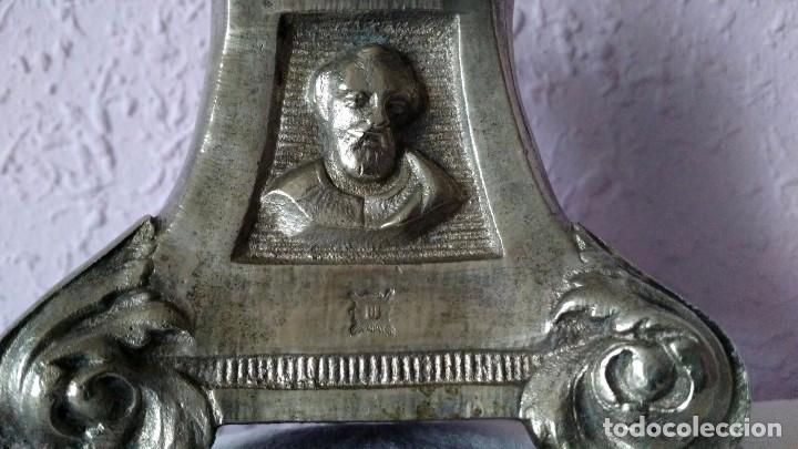 Antigüedades: CANDELABRO DE MENESES DE METAL BLANCO - CONSERVA LOS TRES CONTRASTES - PIEZA ÚNICA - Foto 9 - 95611335