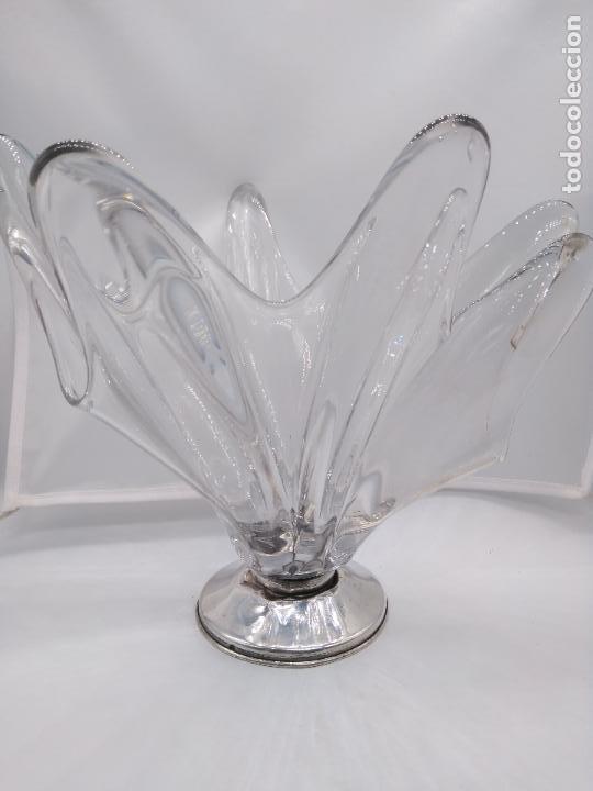 Antigüedades: Precioso centro de mesa antiguo en cristal de murano con pie de plata de ley contrastada. - Foto 2 - 95628231