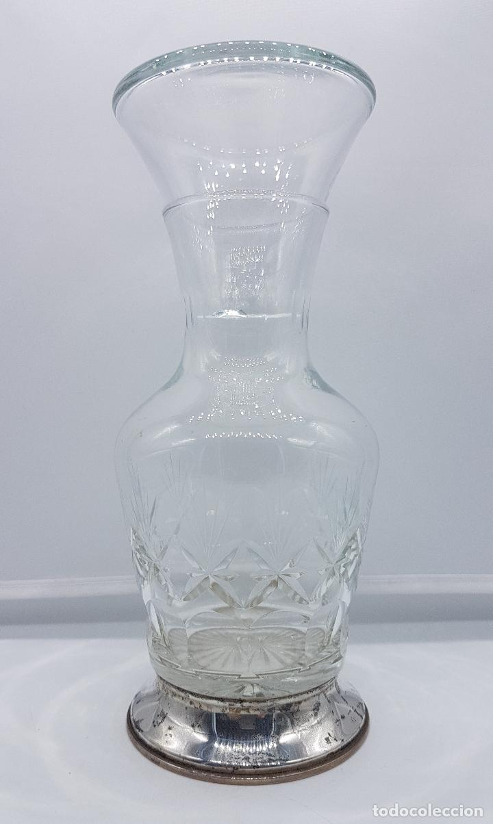 Antigüedades: Botella antigua art decó en cristal tallado y plata de ley contrastada, para mesilla de noche . - Foto 2 - 95630475