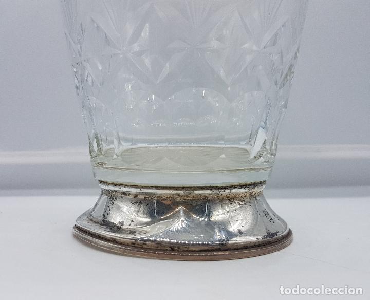 Antigüedades: Botella antigua art decó en cristal tallado y plata de ley contrastada, para mesilla de noche . - Foto 4 - 95630475