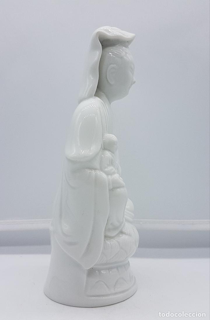 Antigüedades: Figura antigua de la diosa Kuan Yin en porcelana estilo oriental blanca, BIDASOA, años 40 . - Foto 4 - 95633003