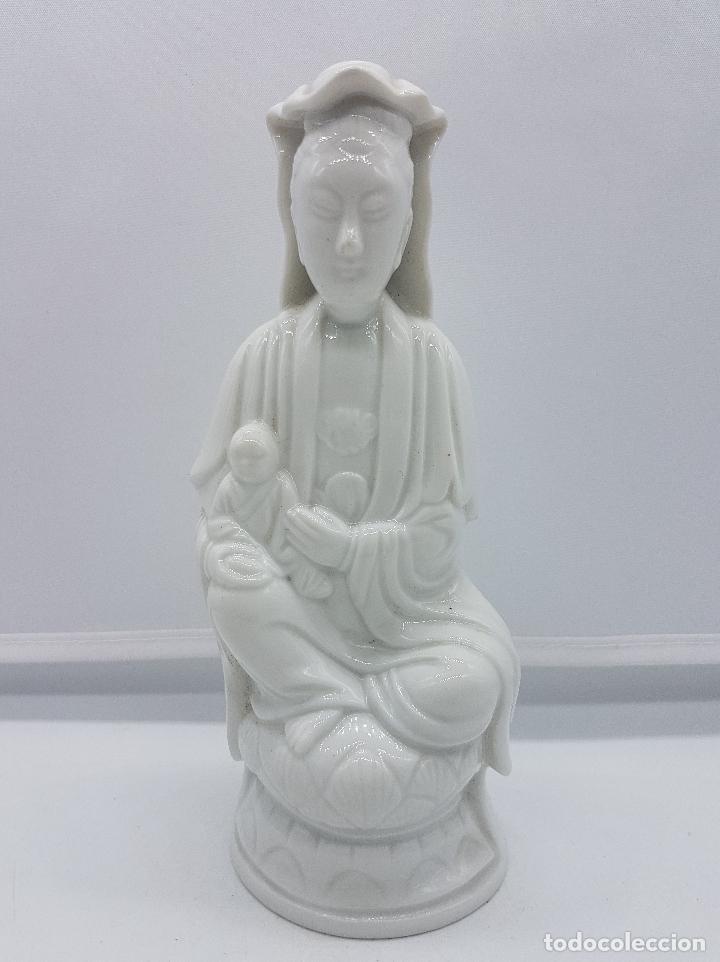 Antigüedades: Figura antigua de la diosa Kuan Yin en porcelana estilo oriental blanca, BIDASOA, años 40 . - Foto 5 - 95633003