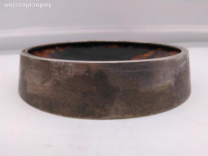 Antigüedades: Cenicero antiguo en metal plateado con fondo de pintura hecha con esmaltes. - Foto 3 - 95654559