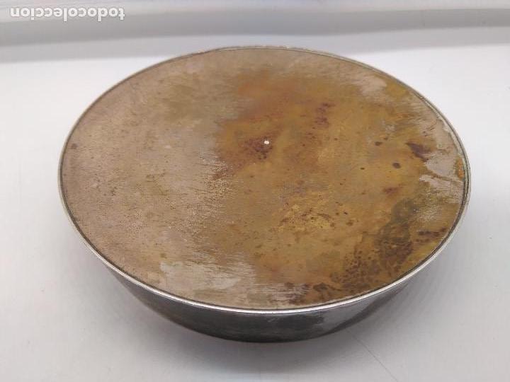 Antigüedades: Cenicero antiguo en metal plateado con fondo de pintura hecha con esmaltes. - Foto 5 - 95654559