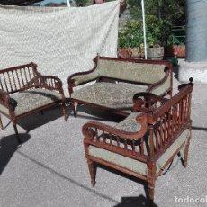 Antigüedades: TRESILLO ESTILO ISABELINO - AÑOS 40. Lote 95740959