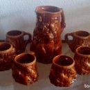 Antigüedades: JARRA CON 6 JARRITAS - CERÁMICA VIDRIADA CON RELIEVES - REF. 828. Lote 95747411