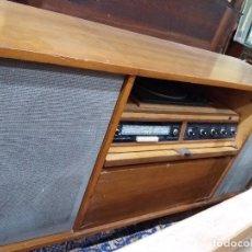 Antigüedades: MUEBLE RADIO ROSELSON TOCADISCOS. Lote 123446995