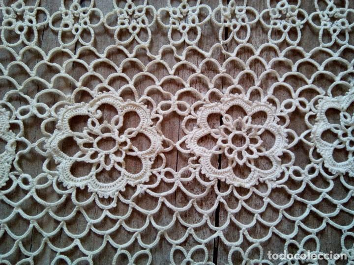 Antigüedades: * ANTIGUO TAPETE DE GANCHILLO . 1M. (Rf:147/c) - Foto 4 - 95817271