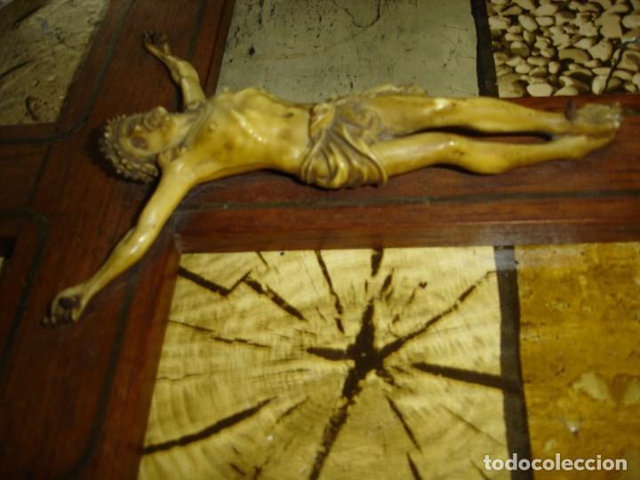 Antigüedades: Bonito crucifijo en marqueteria de metal - Foto 4 - 95867155