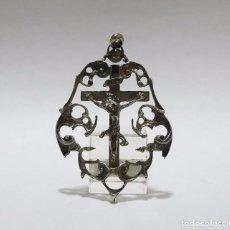 Antigüedades: ANTIGUA MEDALLA CON ANILLA PARA COLGAR CRUZ CRUCIFIJO DE PLATA - SIGLO XIX. Lote 95873487