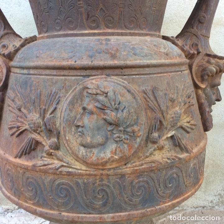 Antigüedades: Antiguo Jarrón de hierro colado - Foto 2 - 96038512