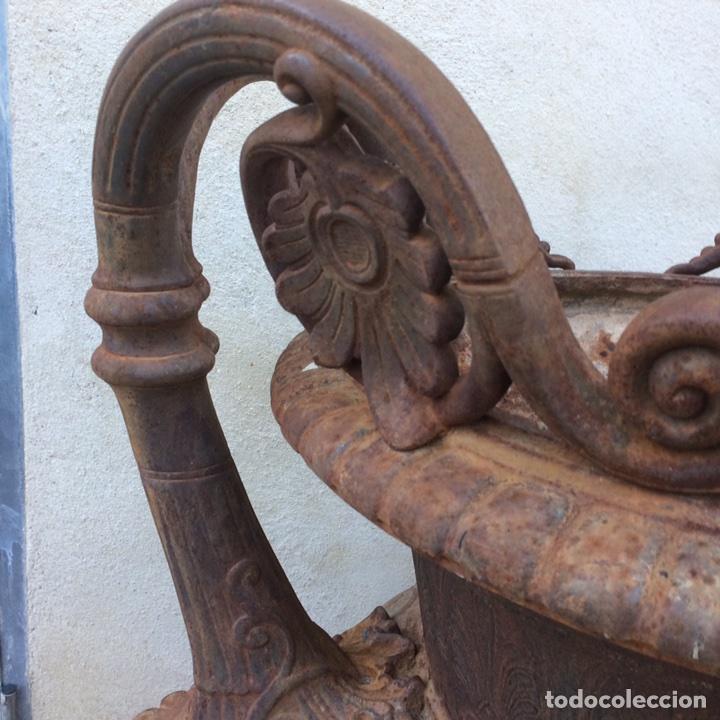 Antigüedades: Antiguo Jarrón de hierro colado - Foto 4 - 96038512