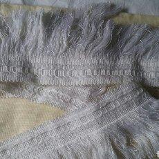 Antigüedades: ANTIGUO TIRA CON FLECOS EN COLOR BLANCO.NUEVO.SIN USAR.. Lote 96041951