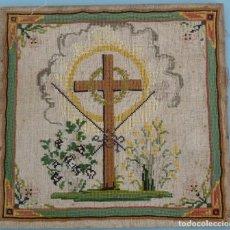 Antigüedades: ANTIGUO CUADRO RELIGIOSO PUNTO DE CRUZ S.XIX. Lote 96162596