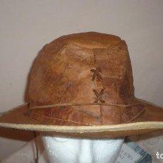Antigüedades: SOMBRERO DE PIEL LEGITIMA TALLA 58/60 ESTILO AUSTRALIANO. Lote 96172011