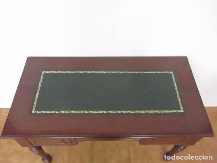 Antigüedades: Mesa de Despacho - Isabelina (Ditada) - Madera de Caoba - Tapete en Piel Verde, con Rivete -S. XIX - Foto 11 - 144070392