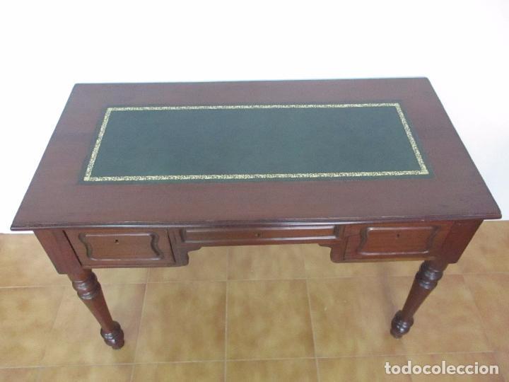 Antigüedades: Mesa de Despacho - Isabelina (Ditada) - Madera de Caoba - Tapete en Piel Verde, con Rivete -S. XIX - Foto 15 - 144070392