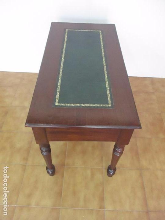 Antigüedades: Mesa de Despacho - Isabelina (Ditada) - Madera de Caoba - Tapete en Piel Verde, con Rivete -S. XIX - Foto 19 - 144070392