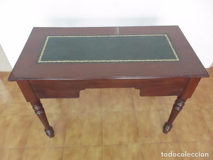 Antigüedades: Mesa de Despacho - Isabelina (Ditada) - Madera de Caoba - Tapete en Piel Verde, con Rivete -S. XIX - Foto 20 - 144070392