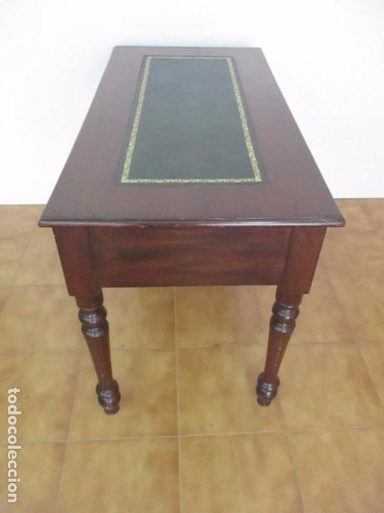 Antigüedades: Mesa de Despacho - Isabelina (Ditada) - Madera de Caoba - Tapete en Piel Verde, con Rivete -S. XIX - Foto 22 - 144070392