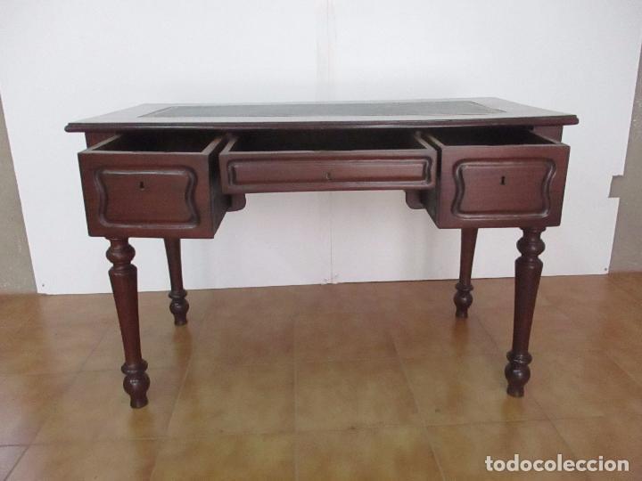 Antigüedades: Mesa de Despacho - Isabelina (Ditada) - Madera de Caoba - Tapete en Piel Verde, con Rivete -S. XIX - Foto 23 - 144070392