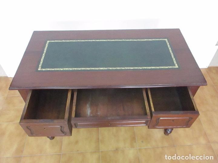 Antigüedades: Mesa de Despacho - Isabelina (Ditada) - Madera de Caoba - Tapete en Piel Verde, con Rivete -S. XIX - Foto 25 - 144070392