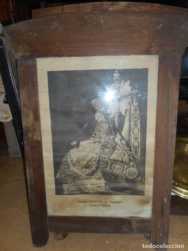 Antigüedades: Marco antiguo con lámina de Virgen de las Angustias - Foto 2 - 113932786