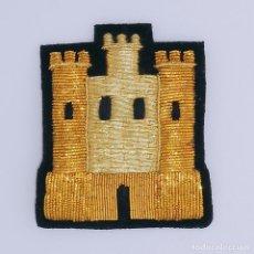 Antigüedades: CASTILLO PARA PONER EN LA ROPA O COSER , ES ORO FRANCES .. Lote 96191651