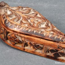 Antigüedades: CAJA MADERA TALLADA ARTE PASTORIL SIGLO XVIII. Lote 96212663