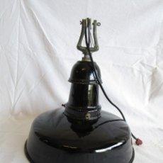 Antigüedades: ANTIGUA LAMPARA TECHO EGSA TIPO INDUSTRIAL GRANDE LACADO DE PORCELANA. Lote 96222935