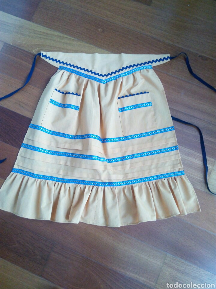 Antigüedades: Delantal juvenil indumentaria tradicional - Foto 4 - 96345460