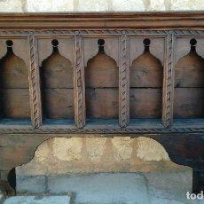 Antigüedades: ALACENA O ESTANTERIA ANTIGUA PARA COLGAR EN LA PARED. Lote 96389539
