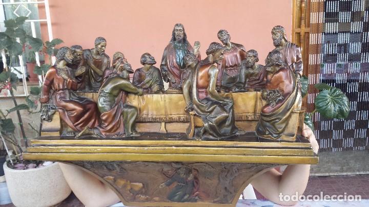 ULTIMA CENA DE JESUS Y PEANA EN ESCAYOLA (Antigüedades - Religiosas - Varios)