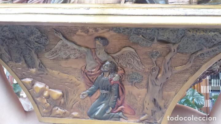 Antigüedades: ultima cena de jesus y peana en escayola - Foto 2 - 96400335