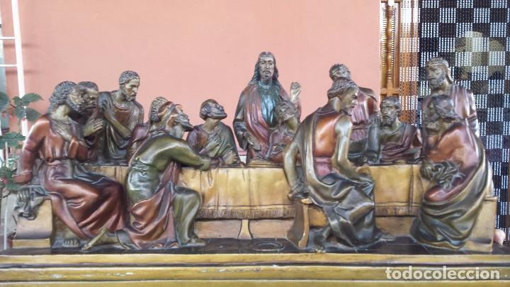 Antigüedades: ultima cena de jesus y peana en escayola - Foto 3 - 96400335