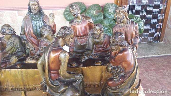 Antigüedades: ultima cena de jesus y peana en escayola - Foto 4 - 96400335