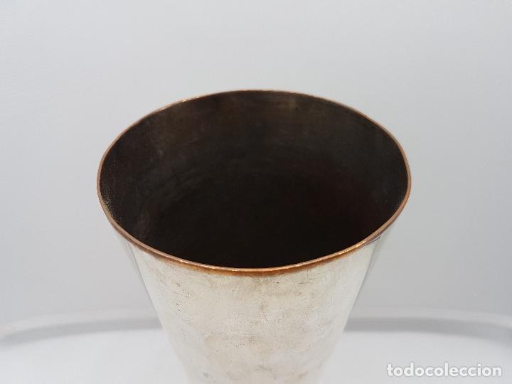 Antigüedades: Antigua copa o copón para agua de cobre con baño de plata. - Foto 3 - 96463335